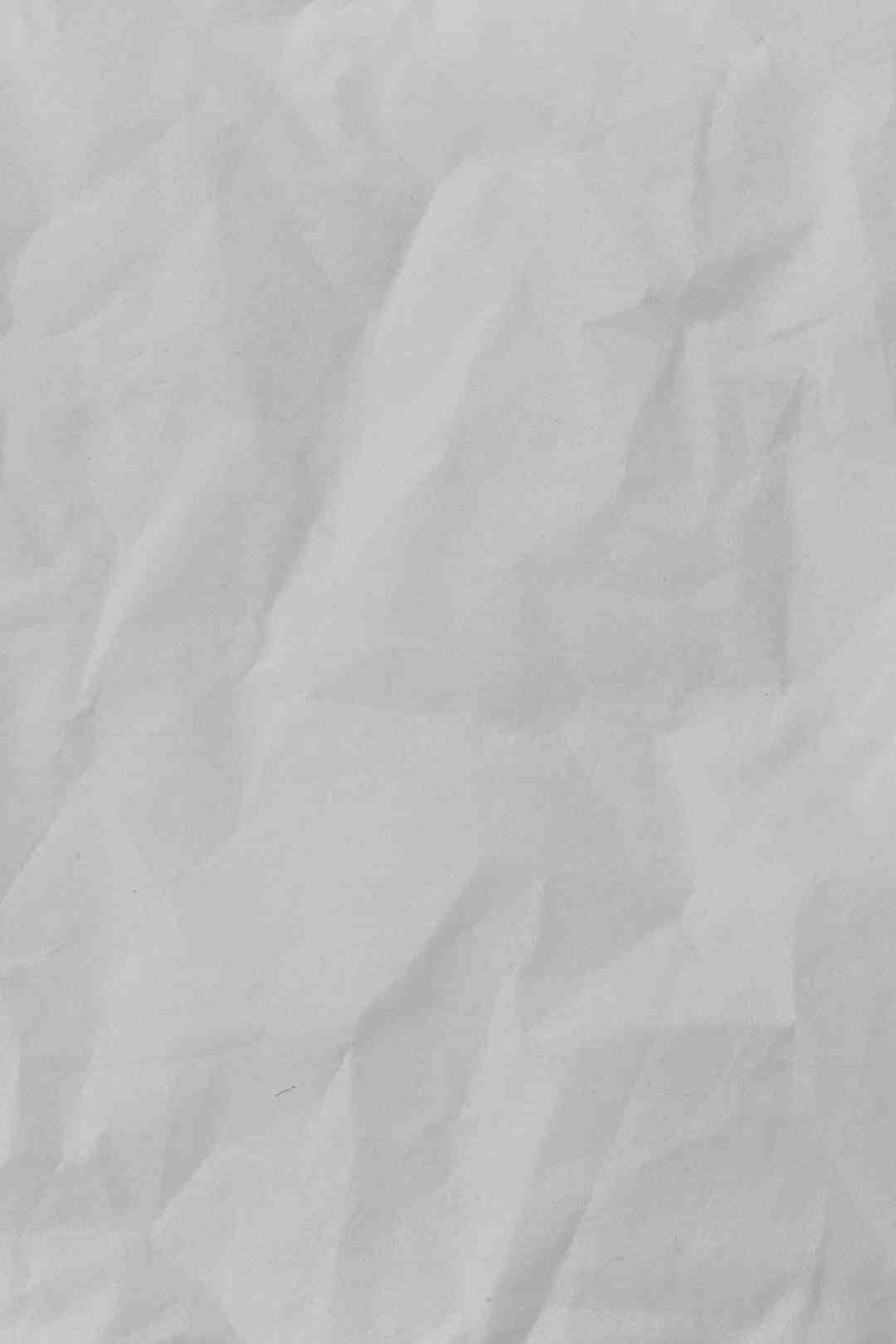 Comment envelopper des couverts dans des serviettes en papier