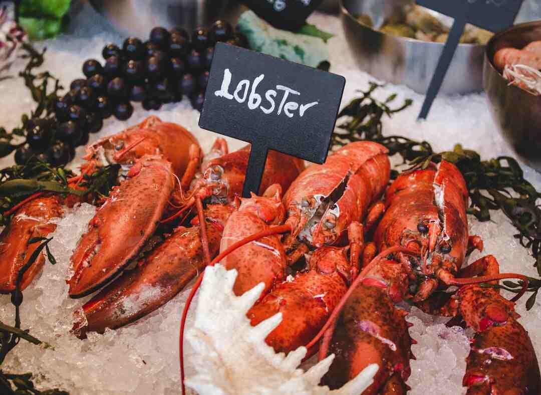Quelle partie du homard ne se mange pas ?