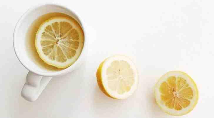 Est-ce bon de boire de l'eau avec du citron ?
